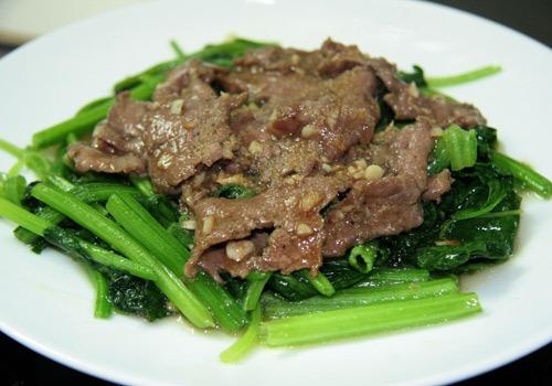 Cách làm thịt bò xào cải bó xôi ngon ơi là ngon