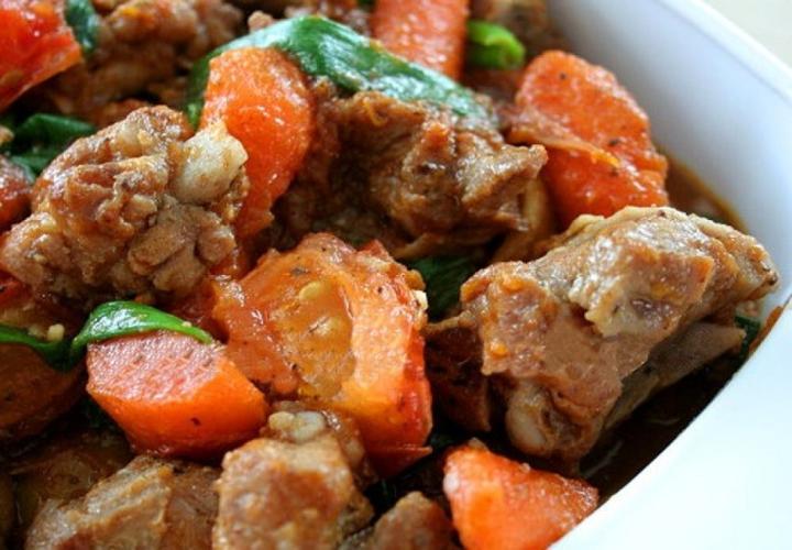 Sườn kho cà rốt